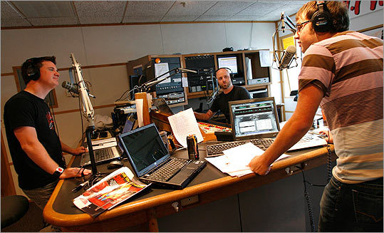 MORNING TEAM AT WFNX