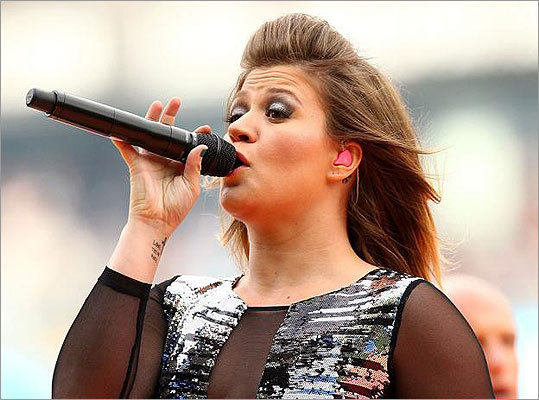 What can Kelly Clarkson now do, in 'Since u been gone'?