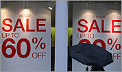 More discounts amid bleak shopping season