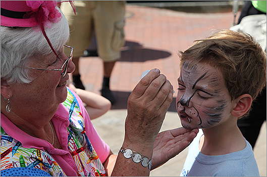 Citizens Bank sponsored free face painting for all the kids who came out on Saturday.