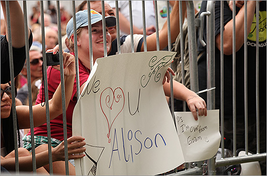 Alison Krauss fans brought signs to show their support.