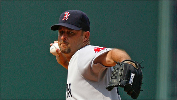 Starting pitcher Tim Wakefield of the Boston Red Sox pitches against the Atlanta Braves at Turner Field on June 27, 2009 in Atlanta, Georgia.