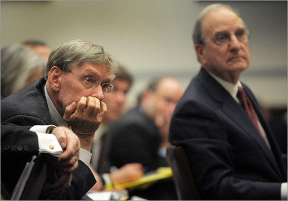 George Mitchell (R), former US Senate Majority Leader listens to a question with Allan (Bud) Selig (L), Commissioner, Major League Baseball the House Government committee hearing on �The Mitchell Report: The Illegal Use of Steroids in Major League Baseball� 15 January, 2008 in Washington, DC. US lawmakers warned Major League Baseball commissioner Bud Selig and union boss Don Fehr to implement tougher doping test rules Tuesday in the wake of a new doping scandal or have Congress impose them.