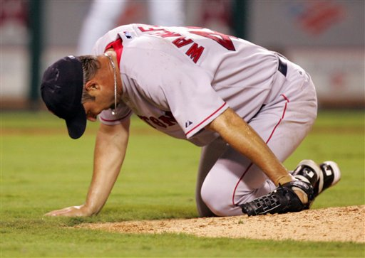Tim Wakefield Gets Hit