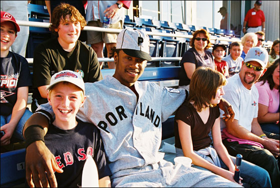 2005: Hanley in Portland with fans