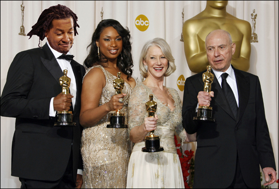 Actors Manny Ramirez, left, Jennifer Hudson, Helen Mirren and Alan Arkin pose backstage with their Oscars during the 79th Academy Awards Sunday, Feb. 25, 2007, in Los Angeles. Ramirez and Mirren won for best actor and Hudson and Arkin won for best supporting actor.