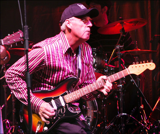 July 17, 2005 -- Peter Gammons plays Saturday evening at Fenway Park as part of the Hot Stove, Cool Music summer program