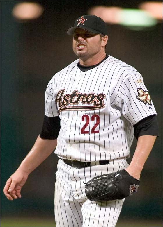 Astros pitcher Roger Clemens grimaces in the fifth inning of his MLB interleague baseball game against the Minnesota Twins in Houston June 22, 2006.