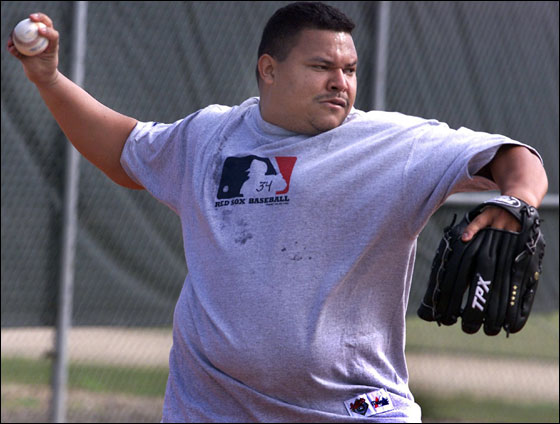 2.23.00 - Red Sox pitcher Rich Garces, throws for the first time since arriving in Ft. Myers.