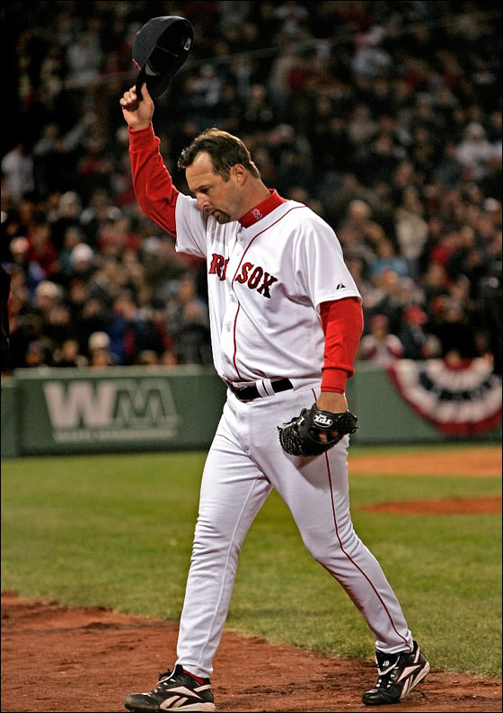 Red Sox starter Tim Wakefield tips his cap to a standing ovation as he leaves the game in the 8th inning allowing only one run.
