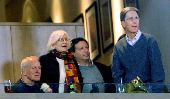 Actor Paul Newman (left), his wife actress Joanne Woodward, and Red Sox owners Tom Werner and John Henry took in the action at Fenway Park Wednesday night from the owner's box.