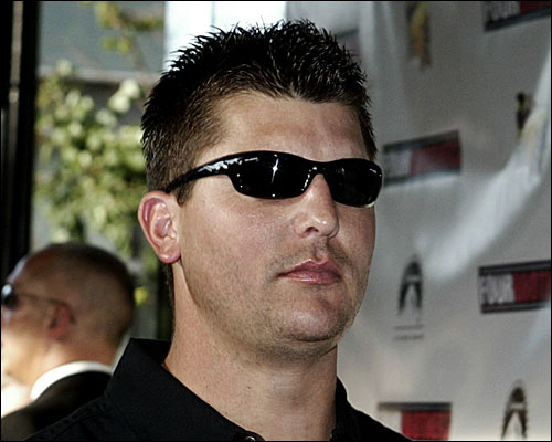 8-7-2005: Special screening of Four Brothers at Loews Boston Common Theatre. Red Sox pitcher Keith Foulke going into the theatre.