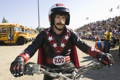 Andy Samberg plays Rod Kimble, the adult son of a dead stuntman, who attempts to jump a fleet of buses.