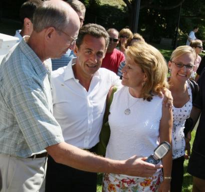 President Nicolas Sarkozy of France posed for photographs near Lake Winnipesaukee yesterday in Wolfeboro, N.H.