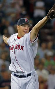 Jonathan Papelbon can't field Carlos Pena's ninth-inning chopper, but second baseman Alex Cora did for the final out.