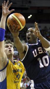 Kobe Bryant excelled at both ends of the court as the US improved to 4-0.