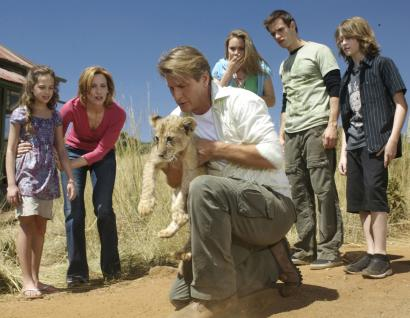 The family melodrama about Manhattanites who move to the African bush features (from left in the pilot episode) Mary Mouser, Judith Hoag, Brett Cullen, Leah Pipes, Andrew St. John, and K'Sun Ray.