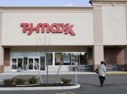 TJX, the parent of stores including TJ Maxx and Marshalls, struck the new deal with plaintiff attorneys after a federal judge questioned an earlier agreement between the two sides last month.