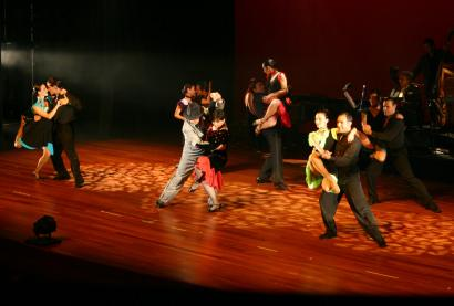 The touring show, with couples performing separately and as an ensemble, is sponsored by the national Argentine Tango Society.
