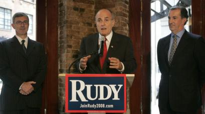 Rudy Giuliani spoke in Boston yesterday alongside two supporters, former Massachusetts governor Paul Cellucci (left) and former Massachusetts treasurer Joseph D. Malone.