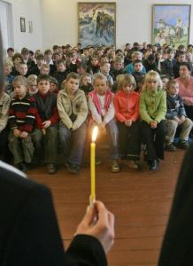Students attended a remembrance lesson Nov. 20 in Krasylivka, Ukraine, commemorating the 75th anniversary of a Soviet-engineered famine that killed millions in the USSR.