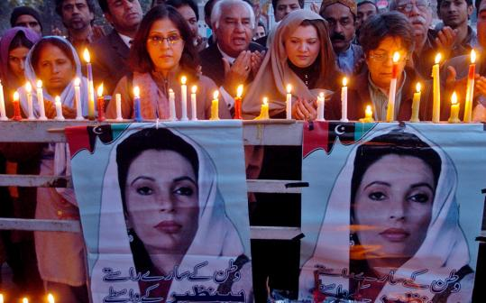 Bhutto supporters participated in a candlelight vigil in Lahore, Pakistan yesterday.