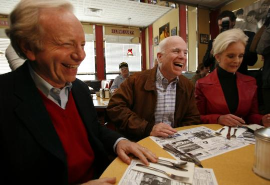 Senator John McCain and his wife, Cindy, campaigned with Senator Joseph Lieberman (left) yesterday in Derry, N.H.