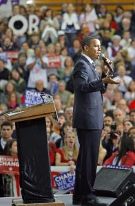 Senator Barack Obama of Illinois appeared at a presidential campaign rally in a packed fieldhouse on the campus of Pinkerton Academy in Derry, N.H., yesterday.