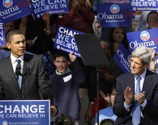 Democratic presidential candidate Barack Obama spoke yesterday at a rally in Charleston, S.C., during which he received the endorsement of Senator John F. Kerry (right). Kerry said Obama has inspirational power that cannot be ignored in Washington.