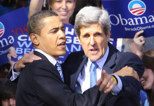 Senator John F. Kerry, who endorsed colleague Barack Obama on Jan. 10, has taped a phone message for South Carolina voters debunking untrue rumors about the presidential candidate.