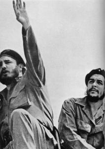 Fidel Castro (left) discusses Che Guevara (right) and many other people and topics in his 700-plus-page autobiography.
