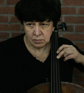 Russian cellist Natalia Gutman performed the solo in Shostakovich's Cello Concerto No. 1.