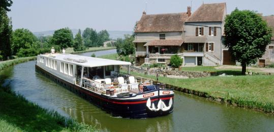 Duxbury-based French Country Waterways wants to introduce travelers to canal barge cruises.