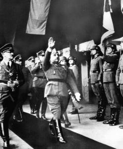 Francisco Franco marching with Adolf Hitler (left), in 1940.