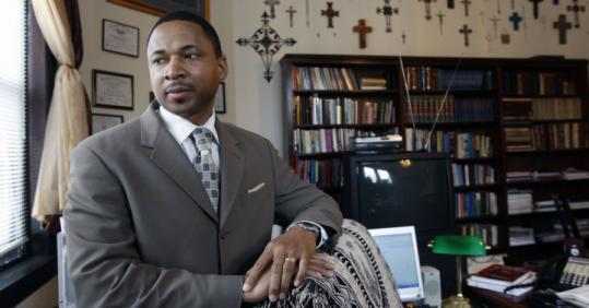 The Rev. Evan C. Hines said Barack Obama's former pastor, Jeremiah Wright, is an unusual figure who is also admired.