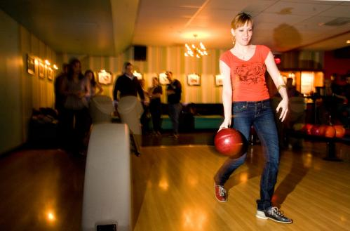 Jennifer Hankins showed off her (very professional, of course) form on the lanes. See more Hot Shots More info on Kings SUBMIT Your nightlife photos! TALK What scene should we visit next?
