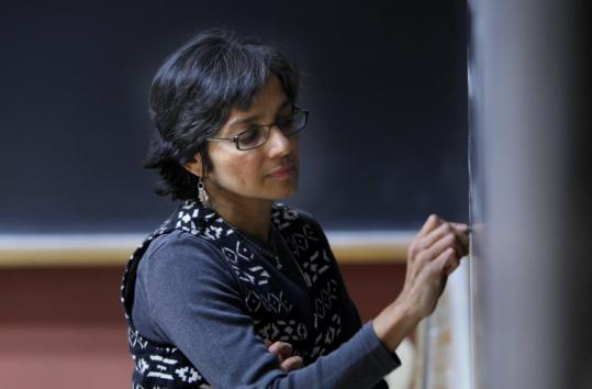 Associate professor Rajini Srikanth leads the Epidemics course at UMass-Boston that took students to South Africa.