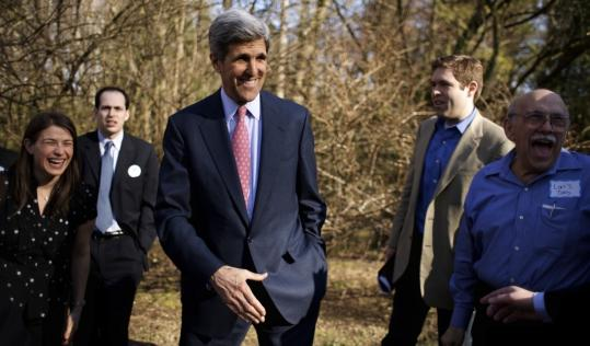 Senator John F. Kerry said goodbye to supporters at the home of state Representative Josh Shapiro in Abington township, Pa., on Saturday. Kerry spent the weekend in the Philadelphia area talking to Democrats about his support for Barack Obama.