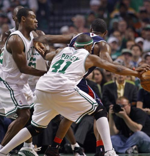 James Posey (41) sneaked up from behind on an unsuspecting Joe Johnson and stole the ball from him.