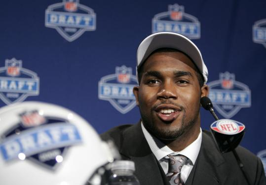 Too tempting to pass up, the Raiders added Arkansas running back Darren McFadden to their crowded backfield.