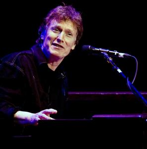 Steve Winwood played songs from his new album, 'Nine Lives,' as well as his hits.