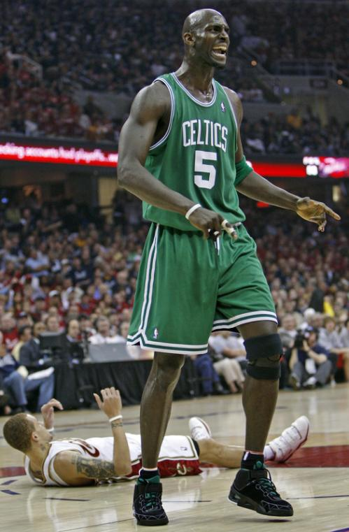 Celtics forward Kevin Garnett howled in protest after being called for a foul on Delonte West (on floor,background) in the first half.