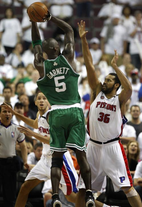 Celtics forward Kevin Garnett (5) drained a shot over Detroit forward Rasheed Wallace (36) in the 4th quarter.