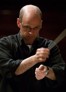 Conductor Gil Rose led the Boston Modern Orchestra Project in a concert that featured works by the late Alan Hovhaness.