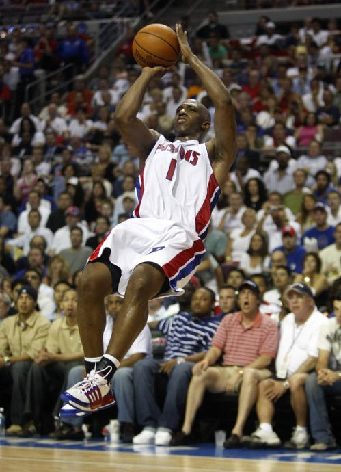 Detroit Pistons guard Chauncey Billups (1) throws up an off-balance shot.