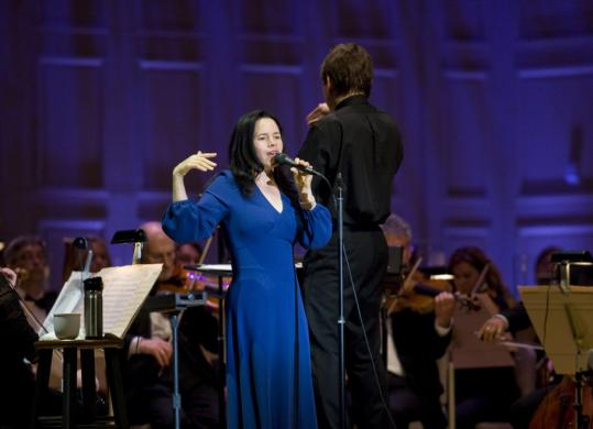 With her woody quaver, Natalie Merchant found her medium while performing with Keith Lockhart and the Boston Pops at EdgeFest last night.