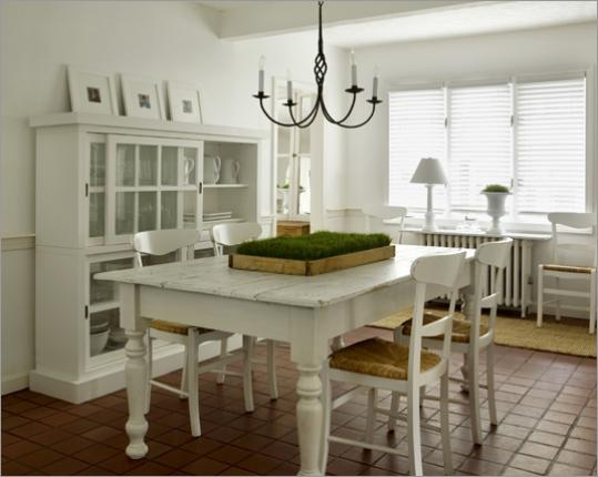 Road to the white house the boston globe for Dining room office ideas