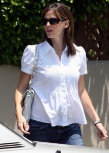 Jennifer Garner was spotted in Santa Monica recently.