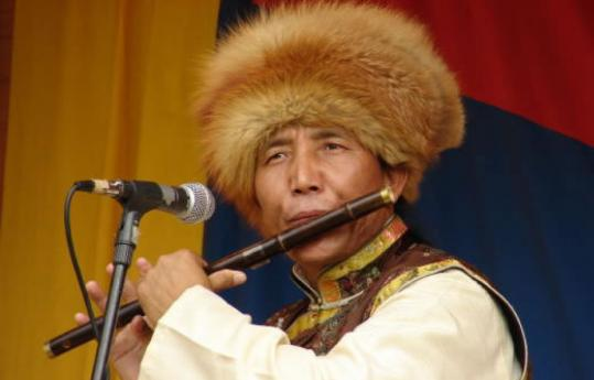 Singer, dancer, and master of the flute and other Tibetan instruments, Penpa Tsering performs traditional and original Central Asian music.