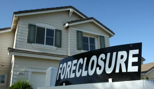 An estimated 8,500 families a day are falling into foreclosure, said Senator Chris Dodd during Senate debate yesterday.